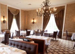 Au Revoir Escoffier Cia Gets New Restaurant Toque